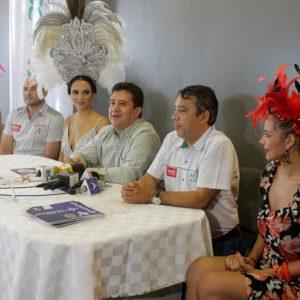 Romy Paz, Marco Delgado, Fatima I, Luis Vera, vicepresidente ejecutivo Amaszonas, Carlos Arrien y Taliana Tufiño
